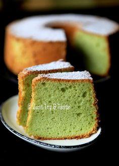 Just Try & Taste: Pandan Chiffon Cake & Tips Sukses Membuatnya Resep Sponge Cake, Resep Cake, Pandan Chiffon Cake, Pandan Cake, Baking Recipes, Cake Recipes, Dessert Recipes, Bolu Cake, Egg Cake
