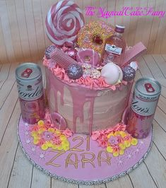 Pink gin and tonic drip cake Rosa Gin Tonic Tropfkuchen 30th Birthday Cake For Women, 19th Birthday Cakes, Pink Birthday Cakes, Adult Birthday Cakes, 21st Birthday, Birthday Goals, Alcohol Birthday Cake, Birthday Drip Cake, Alcohol Cake