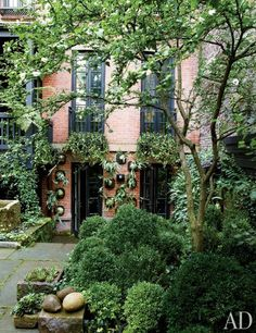 Actress Julianne Moore's garden sanctuary in New York. Photo: Christopher Baker