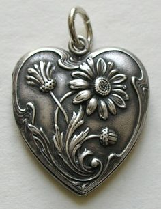 Victorian Sterling Heart Locket with daisies