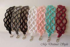 Crochet Bracelet in Dark Grey par mydistinctstyle sur Etsy Crochet Crafts, Yarn Crafts, Crochet Projects, Crochet Bracelet, Crochet Earrings, Crochet Jewellery, Beaded Bracelet, Love Crochet, Knit Crochet