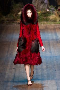 Pin for Later: Autumn in 100 Outfits: The Must-See Looks From the Major Fashion Weeks Dolce & Gabbana Autumn/Winter 2014