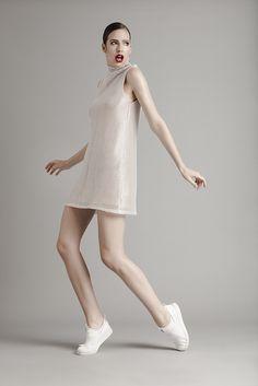 Ensaio de moda e beauty com a modelo Talita Hartmann em estúdio com  iluminação de flash 748657adc0