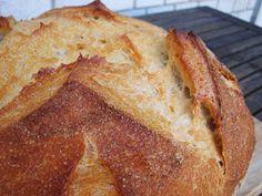 Nem vagyok mesterszakács: Normandiai kovászos cipó Healthy Homemade Bread, Homemade Breads, Bread Recipes, Cooking Recipes, Bread Cake, Challah, Croissant, Wok, Banana Bread