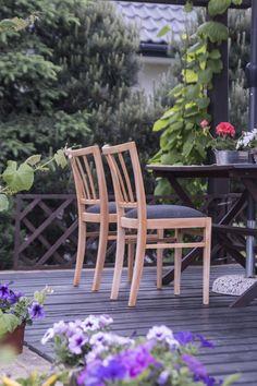 Krzesła PRL, lata 60. Taras, ogród. Midcentury design. 60's. Garden Renowacja: LEKKA Furniture
