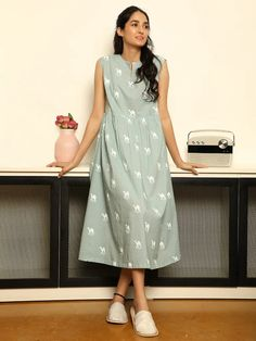 Cotton Dress Indian, Dress Indian Style, Casual Cotton Dress, Cotton Long Dress, Simple Frocks, Casual Frocks, Simple Kurti Designs, Kurta Designs Women, Frock For Women