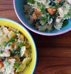 One pot pasta - laks og hollandaise. One Pot Pasta, Pesto, Broccoli, Potato Salad, Spaghetti, Potatoes, Ethnic Recipes, Spinach, Potato