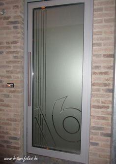 Voordeur raamfolie uitsnijding huisnummer zestien