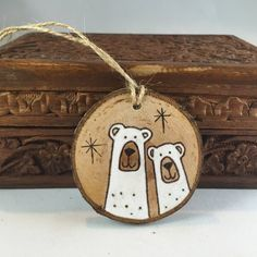 Wedding Gift - Bear Couple Ornament - Wood Slice Ornament - First Christmas Anniversary Engagement Ornament Gift - Hand Painted Polar Bears - This cute and personalized polar bear wood ornament features a cute heart with initials on the back - Wedding Christmas Ornaments, Painted Christmas Ornaments, Christmas Couple, Christmas Gifts For Boyfriend, Wood Ornaments, Christmas Wood, First Christmas, Beach Christmas, Christmas Ideas