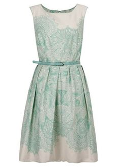 Beauty Tips, Celebrity Style and Fashion Advice from InStyle Pretty Outfits, Pretty Dresses, Pretty Clothes, Fashion Advice, Fashion News, Belted Dress, Dress Up, Mint Dress, Green Dress