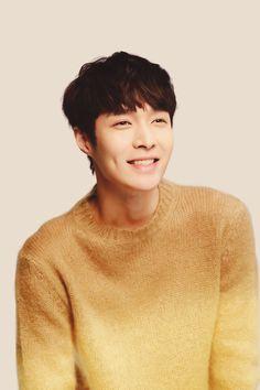 레이 / Lay - 张艺兴 / Zhāng Yì Xìng EXO   Baekhyun   Chanyeol   Chen   D.O   Kai   Sehun   Suho   Xiumin   Luhan   Kris   Tao
