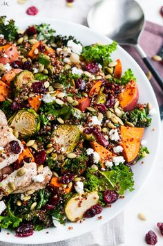 Roasted Brussel Sprout and Yam Quinoa Salad Gebratener Rosenkohl und Yam Quinoa Salat Quinoa Salad Recipes, Vegetarian Recipes, Cooking Recipes, Healthy Recipes, Roasted Quinoa Salad, Avocado Recipes, Yam Recipes, Salad With Quinoa, Cooking Tips