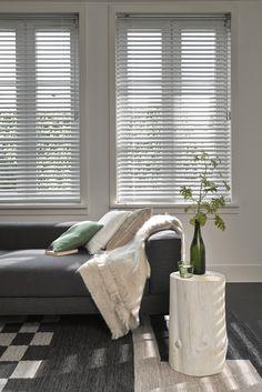 #interior #window #decoration #windowdecoration #design #modern #livingroom #flower #black #white #blackandwhite  #sofa