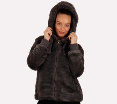 227# (Szürke) Szőrmekabát | viyou.hu Canada Goose Jackets, Fur Coat, Winter Jackets, Fashion, Moda, Winter Vest Outfits, La Mode, Fur Coats, Fasion