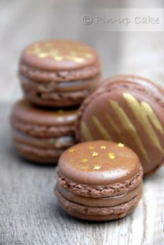 Chocolate Macarons with Gingerbread Dulce de Leche Frosting