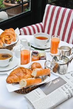 Lovely morning to have coffee & croissants out on the terrace...........