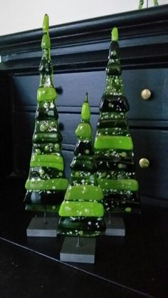 Fused glass Christmas trees #holiday #decorations