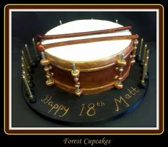 Drum cake Banana Party, Drum Cake, Adult Birthday Cakes, Cupcakes, Cupcake Cakes, Birthday Cakes For Adults, Cup Cakes, Muffin, Cupcake