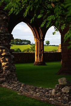 "Arches of New Abbey, or ""Sweetheart Abbey"", last Cistercian abbey founded in Scotland. Photo by Gregor Samsa. Endowed 1273 by Lady Dervorgilla of Galloway in memory of her husband John Balliol, and where she had his embalmed heart kept and was, upon her death, buried with it: hence the later name of the abbey."