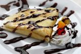 Crepes are a beloved kind of dessert over here - in our monkey household. They make the days brighter and happier. I don't really know how but it works! Here's a little idea on how to make crepes a. Kinds Of Desserts, Just Desserts, Dessert Recipes, Crepes Filling, Cream Cheese Filling, Filling Recipe, Crepes Rellenos, Yummy Treats, Yummy Food