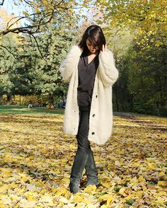 An oversize and awesome knitted coat with cable details. The mix of tweed and mohair make it both rustic and feminine.