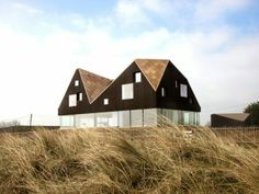 Dune House       Year: 2013      Authors: Alessandra Kosberg, Håkon Vigsnæs, Anders Granli, Einar Jarmund      Places: Thorpeness, United Kingdom      Placement: Shortlisted      Programme: Residential
