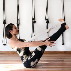 Uso del cinto Medusalab props Basic Yoga, Ballet Skirt, Fashion, Thighs, Legs, Lower Backs, 6 Pack Abs, Yoga Studios, Bending