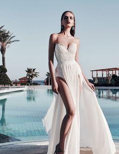 dorian Νυφικα 2017#ρομαντικα νυφικα#νυφικα με εντυπωσιακη πλατη#γοργονε νυφικα#νυφικα με δαντέλα#νυφικα αερινα#νυφικα σε ίσια γραμμή#crop top νυφικα#www.istoriesgamou.gr