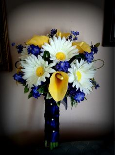 Country style weddings in blue and yellow bridesmaids bouquets in beautiful idea for my bridesmaids but with chocolate brown and emerald green replacing the yellow yellow wedding flowersyellow mightylinksfo