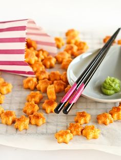 Check out my list of Top 10 Best Picture winning movies paired with yummy golden food like this Wasabi Cheese Crackers recipe from Raspberri Cupcakes.