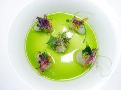 Wuttisak Wuttiamporn Seasonal, Terroir-led Fresh Prawns l Green Chilli Sauce
