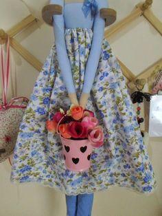 Nesta semana que acabou de terminar,fiz uma encomenda de várias Tildas bem fofinhas:  Tilda Mãe e filhinha:          Anjo em azul:         ...