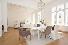 #Home Staging - Wohnzimmer, Esszimmer Home Staging, Dining Table, Furniture, Home Decor, Dining Rooms, Living Room, Decoration Home, Room Decor, Dinner Table