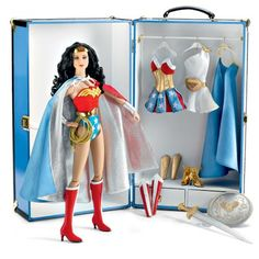 Tonner Doll Wonder Woman Trunk Set
