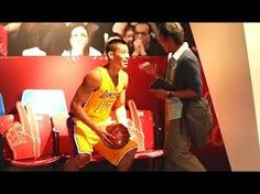 Jeremy Lin Pranks: Poses As Wax Statue