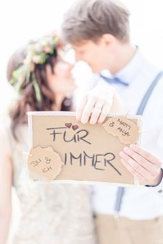 Romantische Zweisamkeit am Alwarmbüchener See @Anja Schneemann Photography  http://www.hochzeitswahn.de/inspirationsideen/verlobung/romantische-zweisamkeit-am-alwarmbuechener-see/ #love #couple #romantic