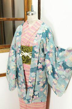 Strawberry Kimono - shimaiya:   クリーミーカラー水彩花霞美しい染紬レトロ羽織 -...