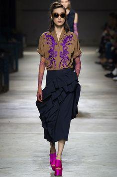Dries Van Noten Spring 2016 Ready-to-Wear Collection Photos - Vogue Fashion Week Paris, Runway Fashion, Spring Fashion, Fashion Trends, Fashion Tips, Look Fashion, High Fashion, Fashion Beauty, Fashion Design