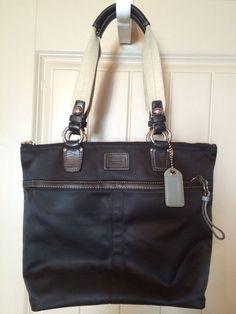 coach gray patent leather handbag iqiq  Authentic Coach Hobo Purse M0749-11745