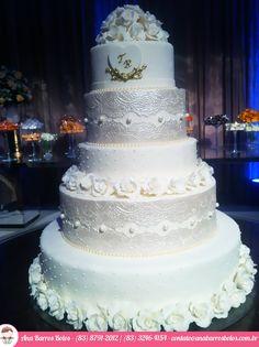Bolo de Casamento - Rendas, Pérolas e Flores para um grande momento... por Ana Barros Bolos