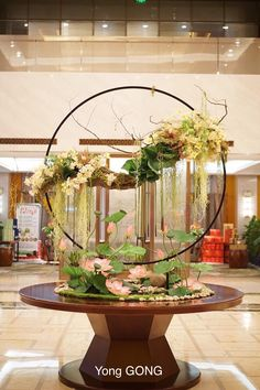 1 million+ Stunning Free Images to Use Anywhere Hotel Flower Arrangements, Modern Floral Arrangements, Beautiful Flower Arrangements, Beautiful Flowers, Flower Show, Flower Art, Flower Decorations, Wedding Decorations, Hotel Flowers