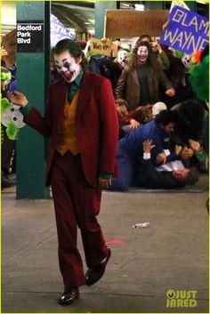 You deserve it Joker Batman, Harley Y Joker, Der Joker, Joker Dc Comics, Joker Art, Joker Comic, Joaquin Phoenix, Comic Movies, Comic Book Characters