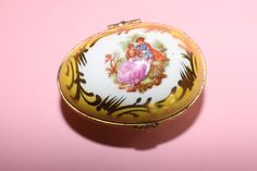 Beautiful Limoges France Yellow Egg Hinged Trinket/Pill Porcelain Box