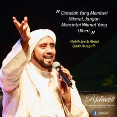 cintai yang memberi nikmat! Muslim Quotes, Islamic Quotes, Islamic Pictures, Alhamdulillah, Music Songs, Quran, Allah, Positive Quotes, Qoutes