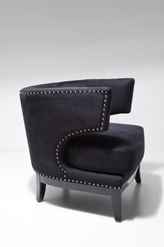 The KARE brand symbolizes furnishing ideas which are unique, non-conformist and authentic. A Variety of furniture, lighting and furnishing accessories, all expressing an intense passion for design.