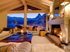 Entspannen bei gemütlicher Kaminwärme und wunderschönem Ausblick aus einem großen Panoramafenster! | Zermatt, Schweiz, Objekt-Nr. 3494907