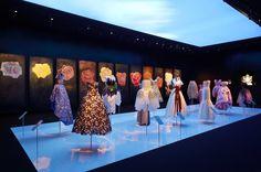 De créations haute couture en images d'archives, e