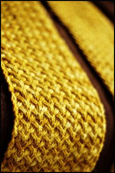 Shifting Sands scarf ~ this one done by Jared Flood ~ designed by Grumperina and offered on Ravelry as a FREE download