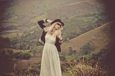 Ensaio fotográfico da MariMoon, clicado pela sua irmã Marcella Karmann, nas montanhas em clima de moda Bohemian Gipsy (Boho).