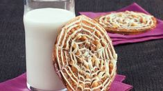 Lacy Spiderweb Sandwich Cookies Halloween Food Dishes, Halloween Cookie Recipes, Halloween Fun, Baking Cupcakes, Cupcake Cookies, Holloween Cookies, No Bake Bars, Seasonal Food, Sandwich Cookies